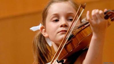 Por que existem crianças prodígio no mundo da música?