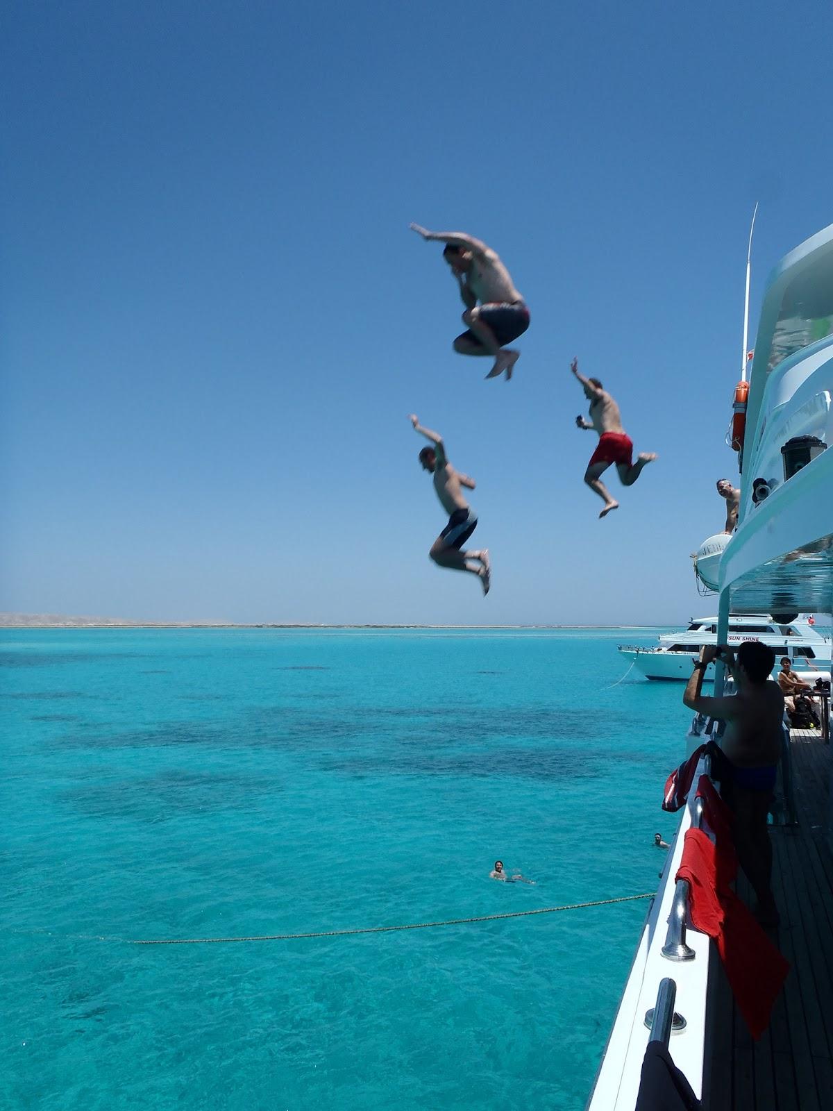 Mar Rojo Sur - Javier Girón, Jorge Girón y Adri