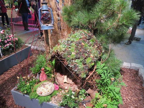 Philadelphia Flower Show 2015: Dog Houses- Tramp