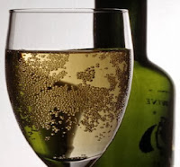 الكحول يسبب التسمم والإدمان والجلطة الدماغية