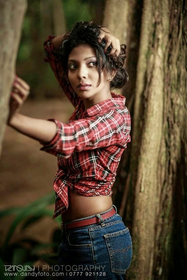 Sri Lankan Hot Models Bikini Photos