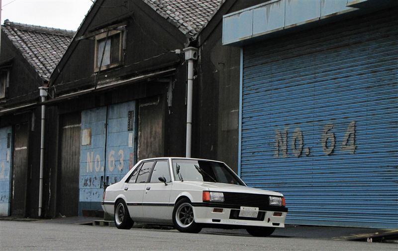 Mitsubishi Lancer EX, motoryzacja z Japonii, fajne stare auta, samochody z dusza, klasyki na zdjęciach