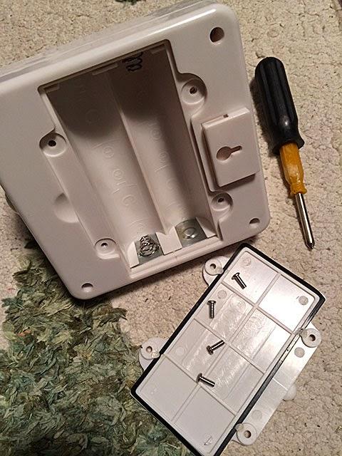 電池式センサーライト