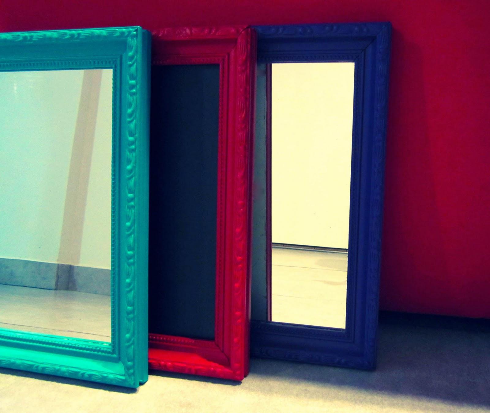Siete espejos marcos y pizarra hay un trasto en mi - Espejos con marcos ...