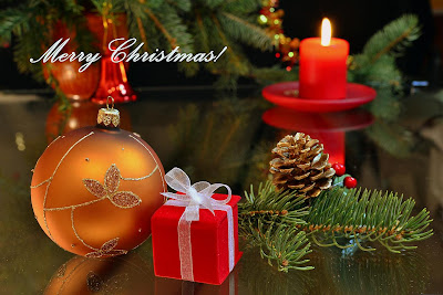 Merry Christmas-free background from http://colormagicphotography.com