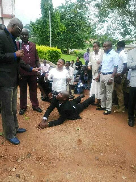 PICTURE: Ekiti Civil servants prostrate and beg Governor Fayose for coming late to work