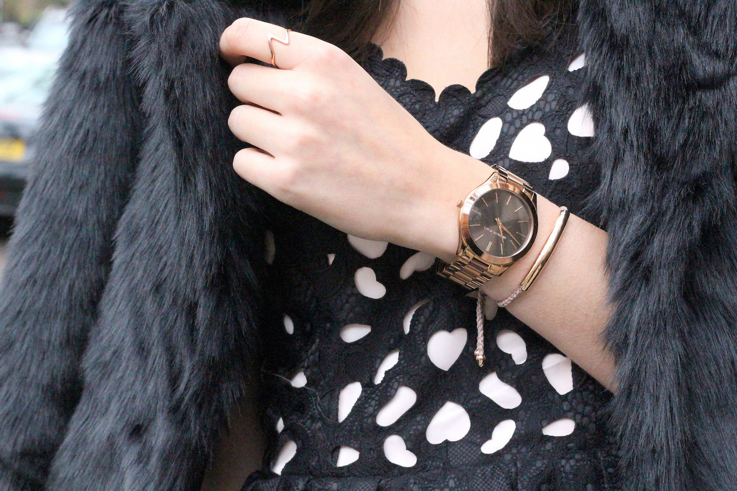 peexo fashion blogger wearing peach box jewellery
