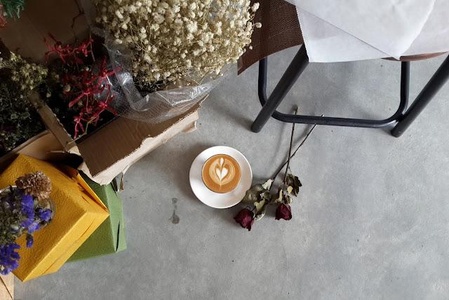 fluffed dessert cafe and bar coffee latte pj