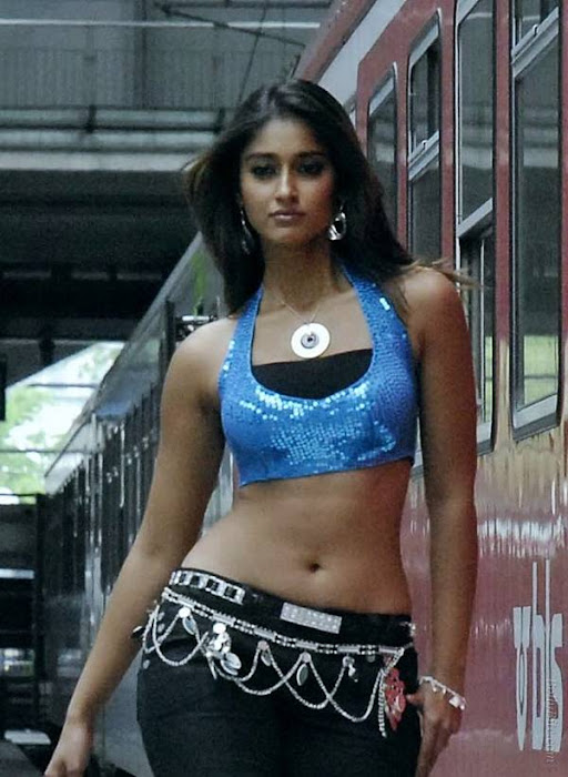 side | ileana model walk hot photoshoot