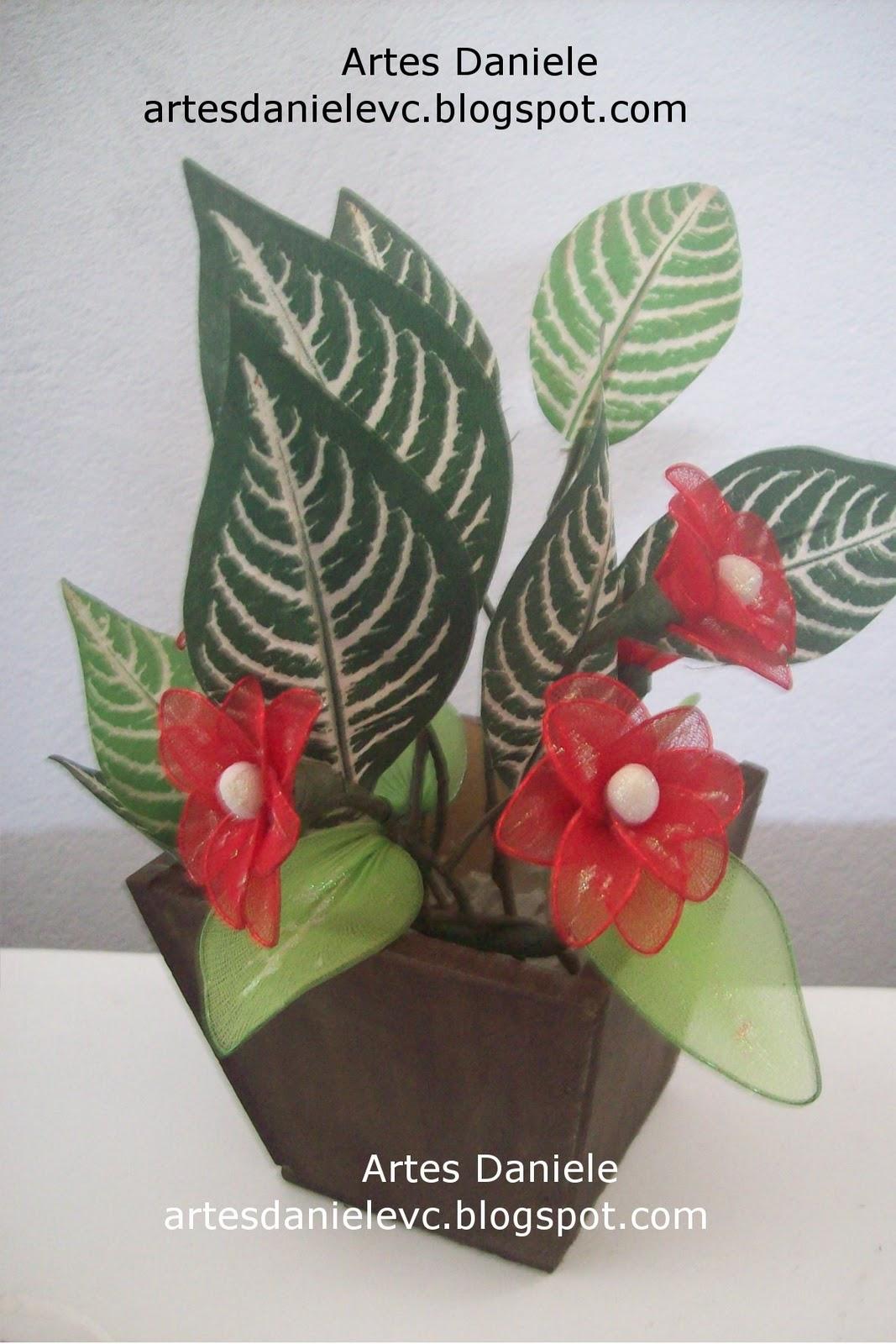 http://4.bp.blogspot.com/-qkO_tjNRaH8/Tnsy-J9qc_I/AAAAAAAADlY/Y5WDd7eRH4c/s1600/vaso+margaridas+2.jpg