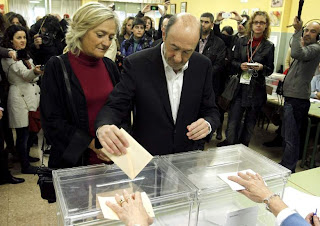 """Rubalcaba animar a los ciudadanos a votar porque España """"vive una encrucijada histórica"""""""