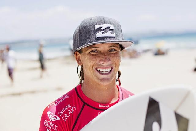 32 Roxy Pro Gold Coast 2015 Courtney Conlogue Foto WSL Kelly Cestari