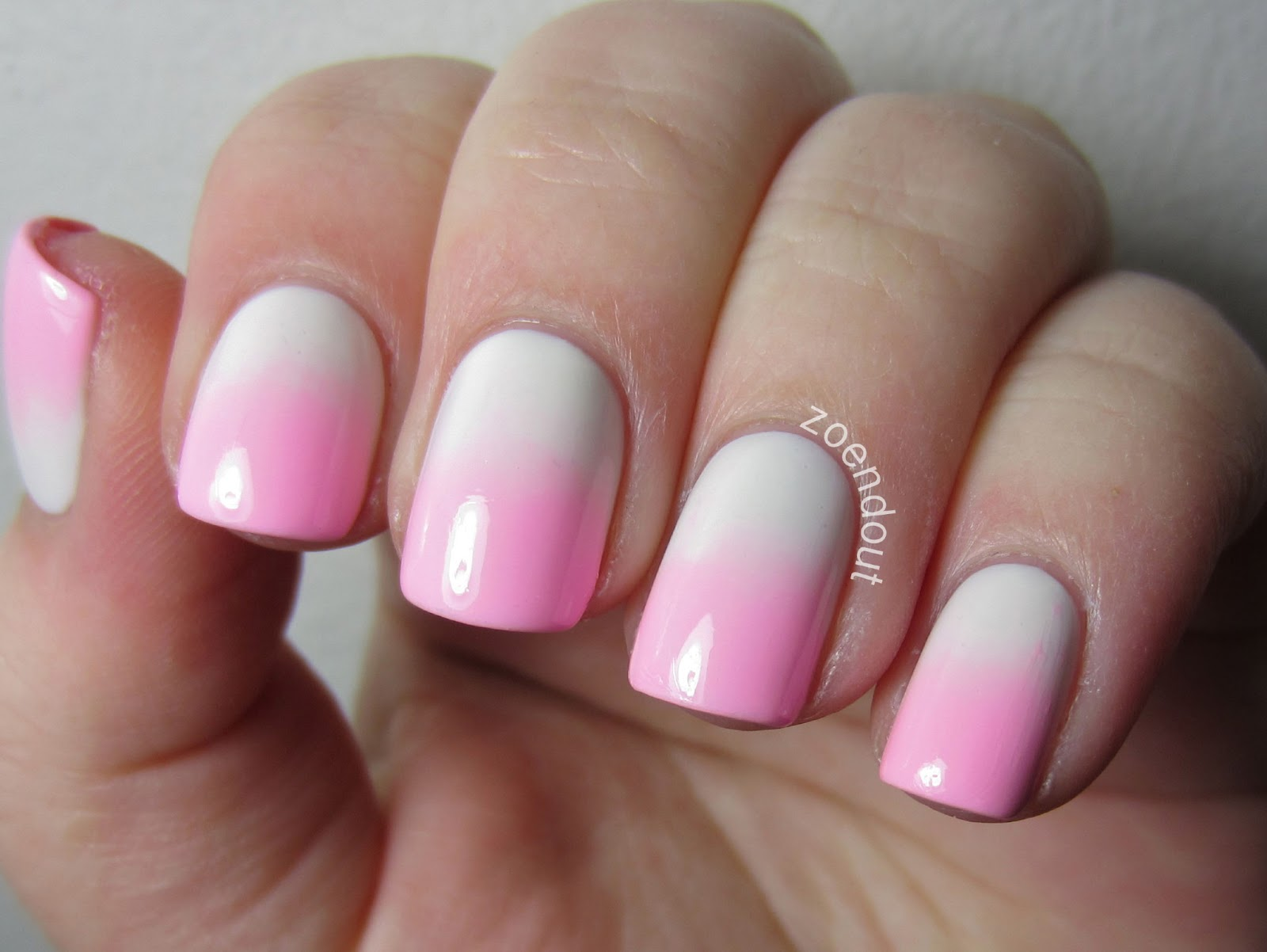 Zoendout Nails: Pink and White Valentines gradient