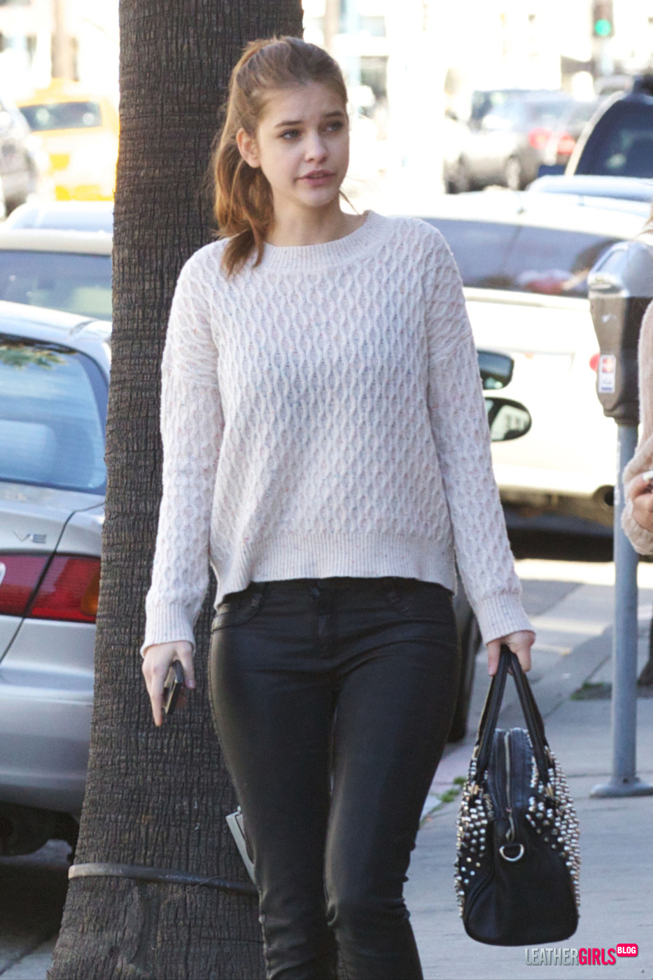 Barbara Palvin And Bella Thorne cleveland854321: IT AL...