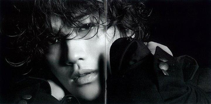 http://4.bp.blogspot.com/-qlECiGTuNEE/Ugt7tkZIysI/AAAAAAAAJrA/t1MEvOgRqlo/s1600/%5BBOOKLET%5D+Jin+Akanishi+-+Hey+What%27s+Up+(23).jpg