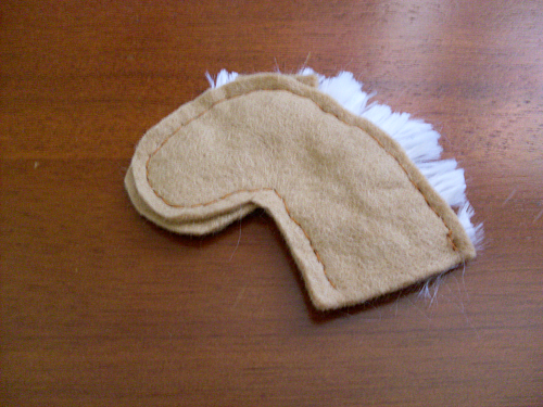step by step how to make a hobby horse