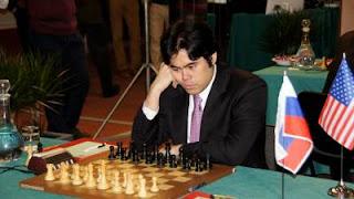 Echecs en Italie : Hikaru Nakamura (2758) remporte sa partie ronde 1 face au Russe Nikita Vitiugov (2729) © site officiel