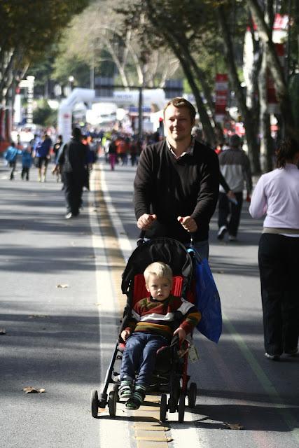 Ville and Anton not doing the Istanbul Eurasia Marathon 2012.