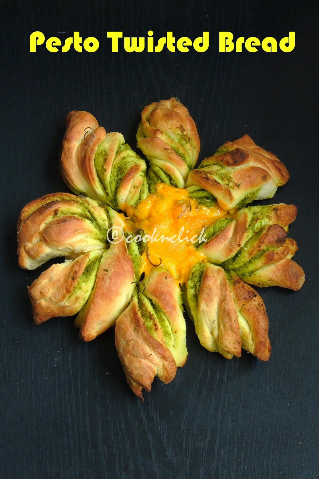 Pesto twisted bread