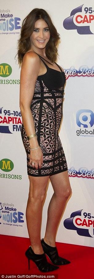 الموديل ليزا سنودون خلال حضورها Capital Jingle Bell Ball في لندن