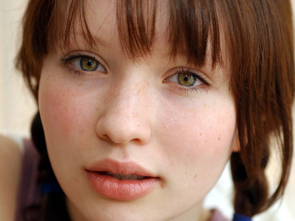 Short Bob Hairstyles Emily Browning Hairstyles Pictures