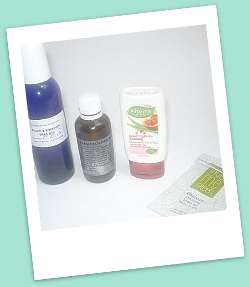 odżywka, olej makadamia i tonik z kwasem zużyte w lipcu