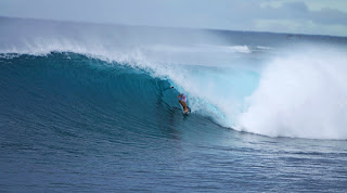 empty perfect waves indonesia ian battrick lunasurf