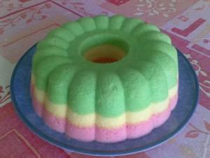 dan cara membuat kue bolu kukus pelangi sebagai berikut resep kue
