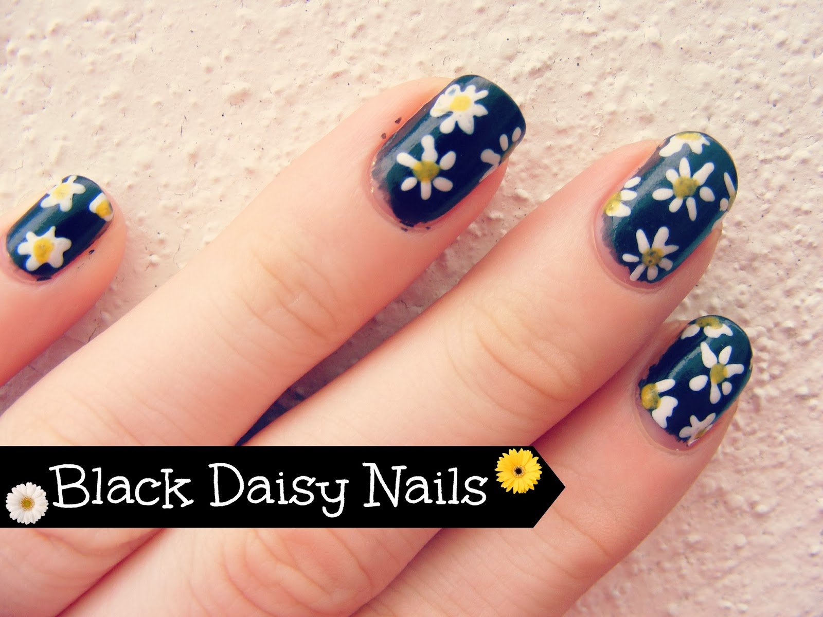 Black Daisy Nails | oh hey there rachel