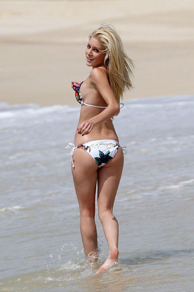 Brady fotos del bikini manojo