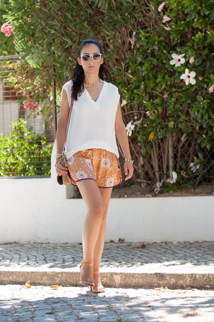 SHORTS ZARA ESTAMPADO ORIENTAL WITHORWITHOUTSHOES