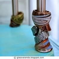 Lag en smykkestumtjener med oppbevaring til også ringer