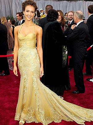 jessica alba updo oscars. Jessica Alba at the Oscars