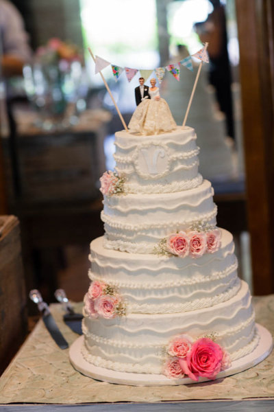 Wedding Cake Toppers and Accessories  DBC Collectibles