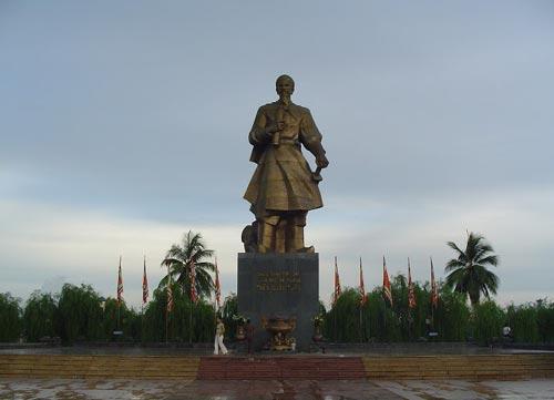 Hưng Đạo Đại Vương Trần Quốc Tuấn - http://www.tinquansu.net