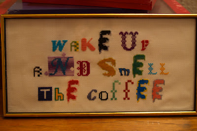 Korsstings broderi. Wake up and smell the coffee.