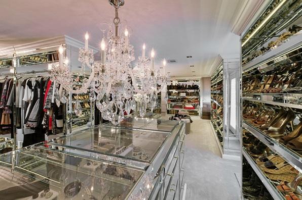 Swank glamorous style in action swanky style glamorous for Amazing closets