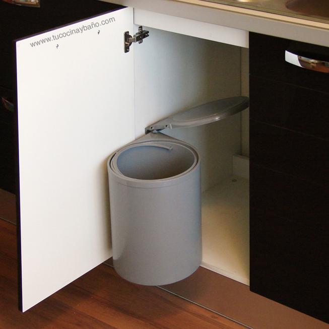 Cubo basura apertura puerta cocina 40 basico