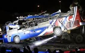 Une réplique du bus de Knysna détruite