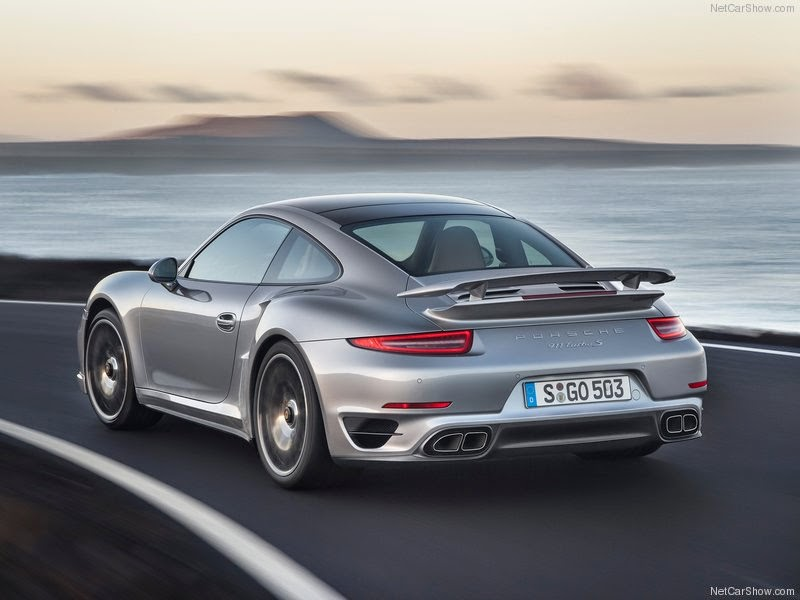 Carro - Porsche 911 Turbo S (2014)