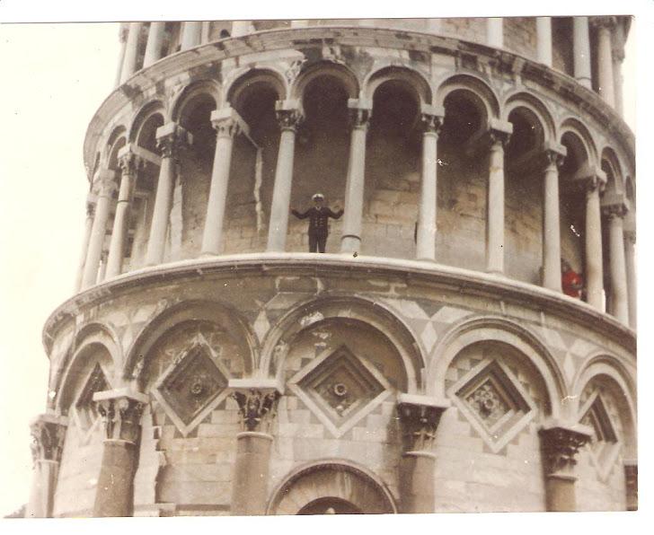 César Rivera - Torre de Pizza - Italia - Año 1983