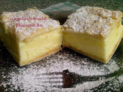 Vizes krémes sütemény, tejtermék mentes desszert, vanília krémmel, porcukorral megszórva.