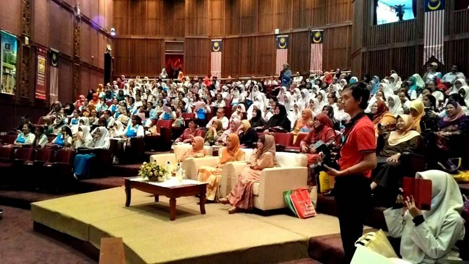 Program Apresiasi Puisi Melayu Tradisional