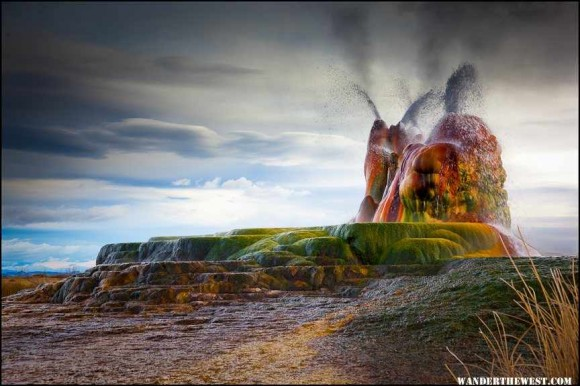 Fly Geyser - Wallpapers of Nature