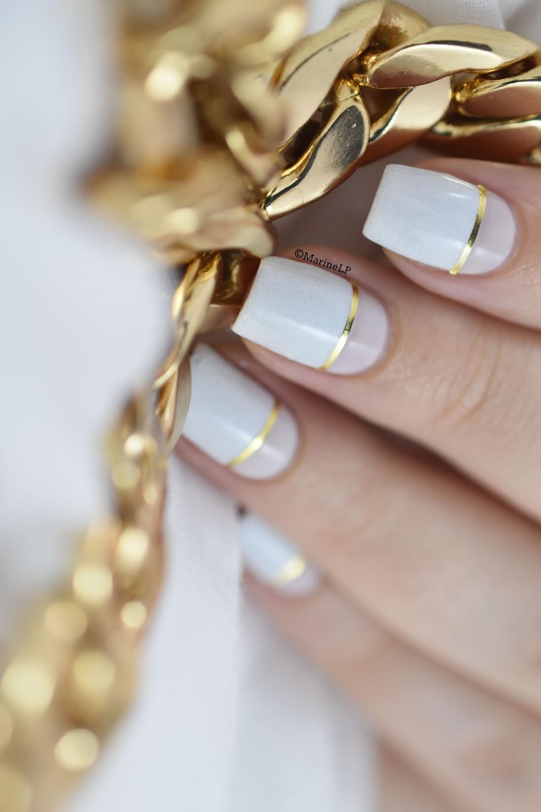 Маникюр с золотой или серебряной полоской