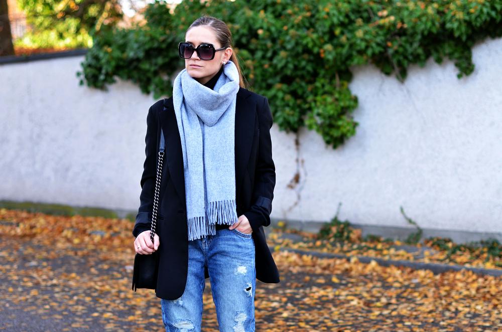 grey scarf H&M