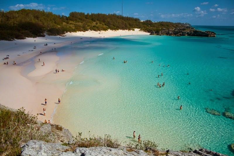 Pantai-Terindah-di-Dunia-Horseshoe-Bermuda