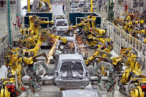 Nissan inaugura nova fábrica em Resende
