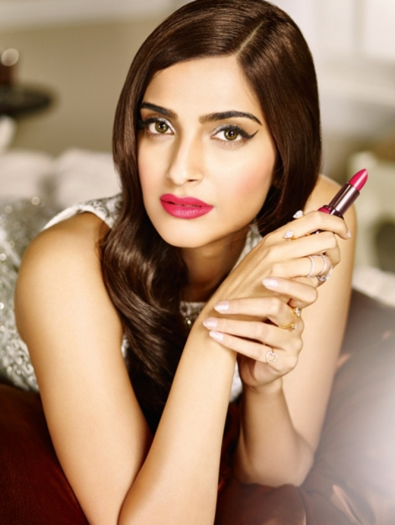Beautiful Sonam Kapoor Bikini Images