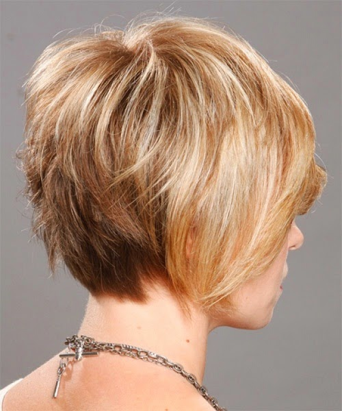 corte corto en capas rubio y pelo liso